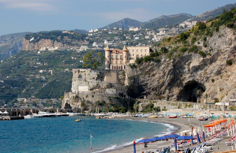 Het strand in Maiori op de Amalfi Kust royalty-vrije stock afbeeldingen