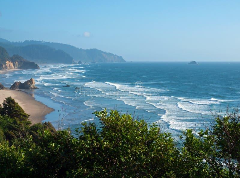 Het strand op de Kust van Oregon overziet stock fotografie