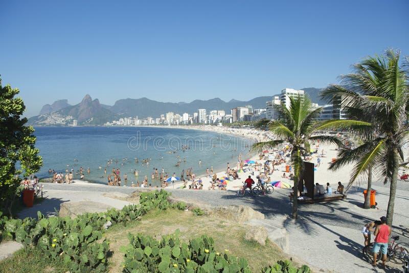 Het Strand Rio de Janeiro Brazil Skyline van Arpoadoripanema stock foto