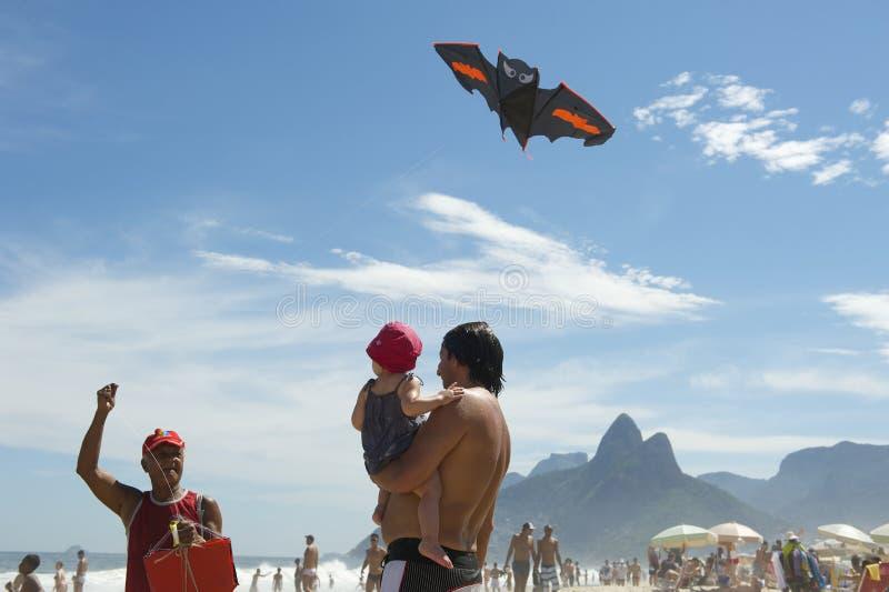 Het Strand Rio de Janeiro Brazil van Ipanema van de vliegerverkoper stock fotografie
