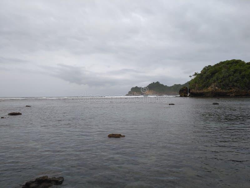 Het Strand van Banyumeneng stock foto