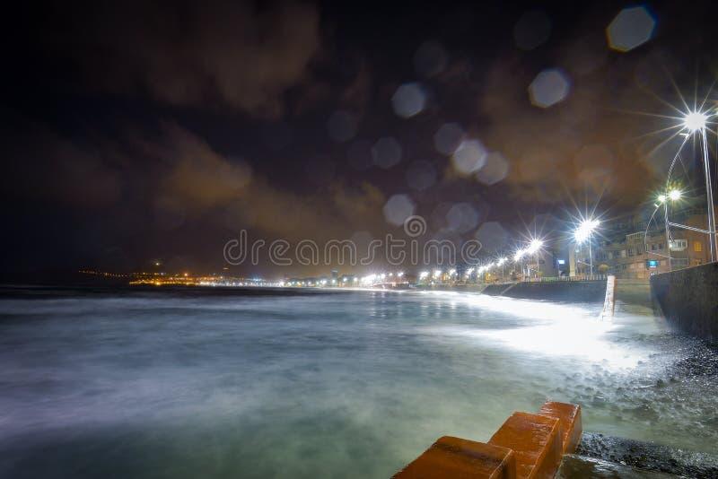 Het strand van Canteras van Las langs de stad van Las Palmas DE Gran Canaria, Spanje royalty-vrije stock foto's