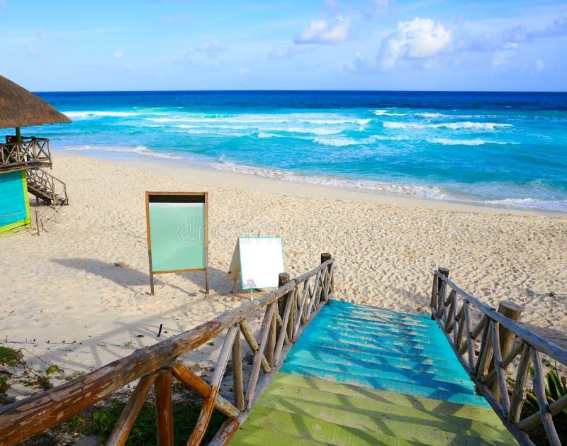 Het strand van het Cozumeleiland San Martin in Mexico royalty-vrije stock fotografie
