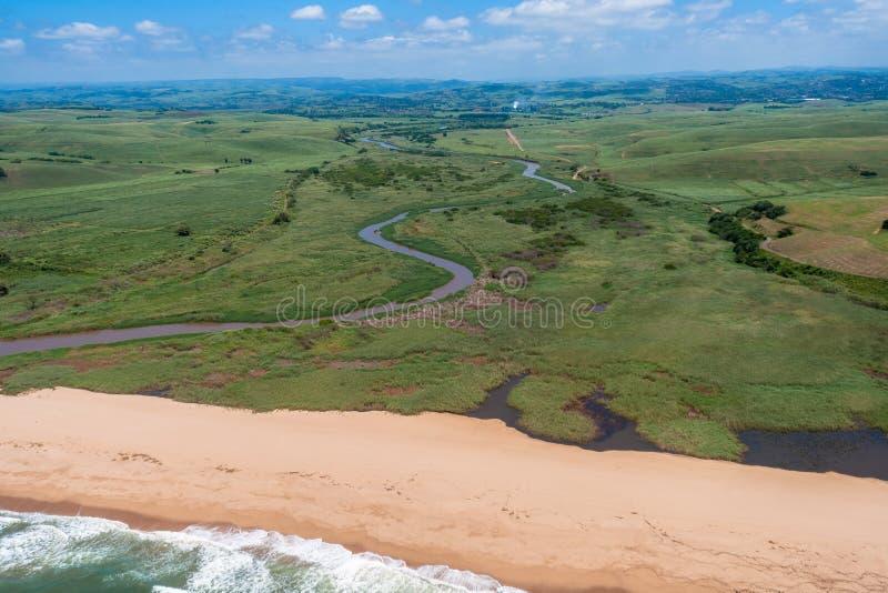 Het Strand van de Rivier van het Suikerriet van de lucht royalty-vrije stock foto