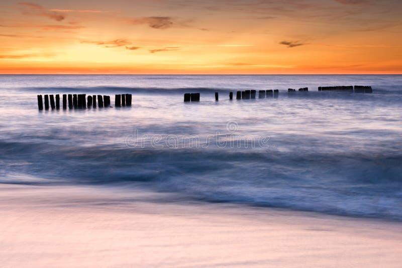 Het strand van Duskat royalty-vrije stock foto