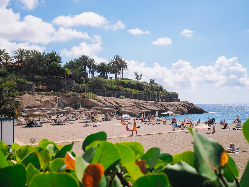 Het strand van Gr Duque in Costa Adeje Tenerife, Canarische Eilanden, Spanje stock afbeelding