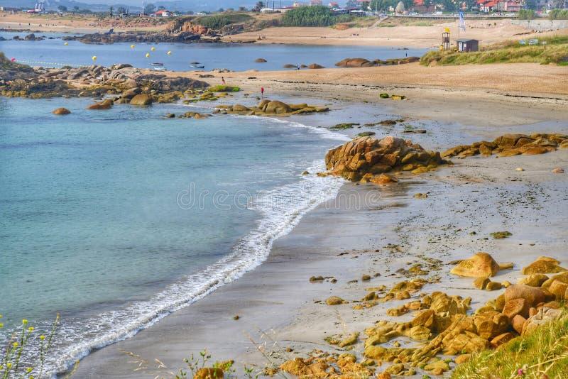Het Strand van La Lanzada Strand in Pontevedra Spanje Het Strand van La Lanzada Galicië, rotsen royalty-vrije stock afbeeldingen