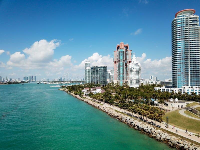 Het Strand van Miami, het Weergeven van het Zuidenpunt van hierboven royalty-vrije stock fotografie
