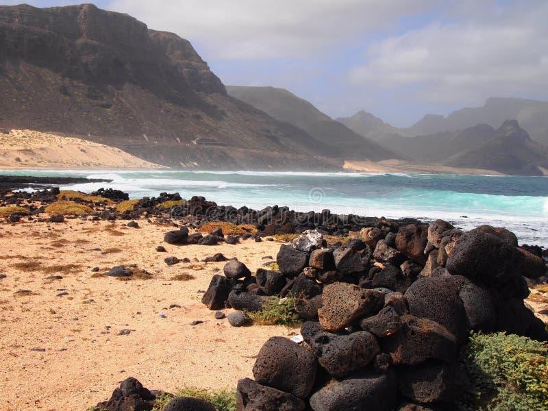 Het strand van Praiagrande in de kust van het eiland Kaapverdië van Saovicente stock afbeeldingen