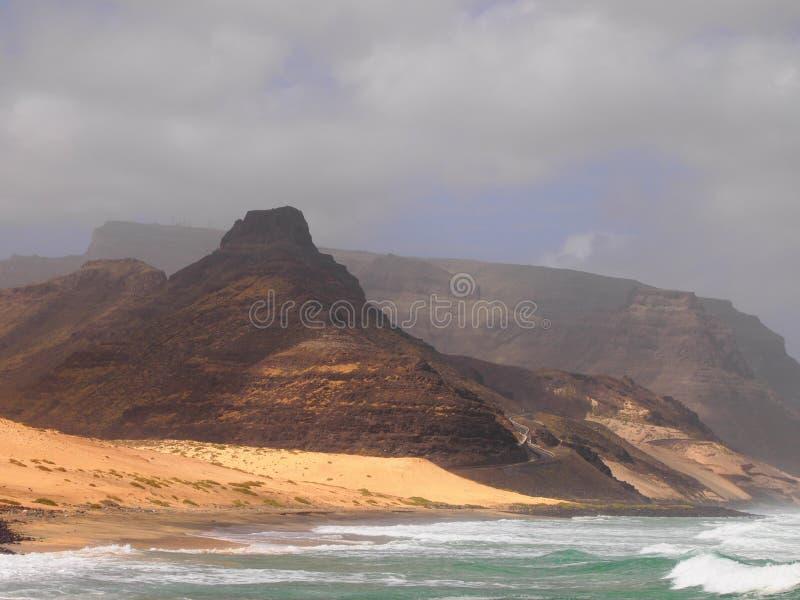 Het strand van Praiagrande in de kust van het eiland Kaapverdië van Saovicente royalty-vrije stock afbeelding