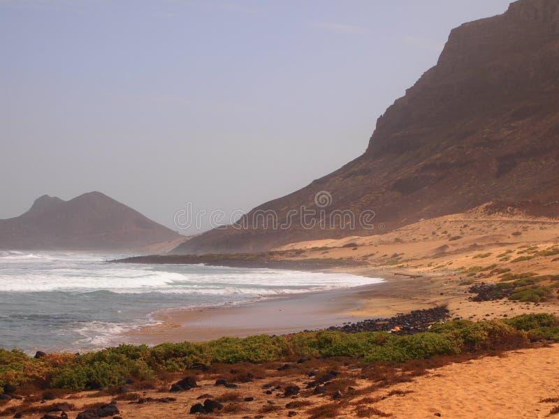 Het strand van Praiagrande in de kust van het eiland Kaapverdië van Saovicente stock foto's
