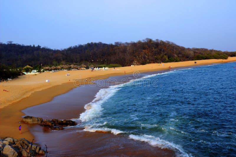 Het Strand van Puertoescondido stock afbeeldingen