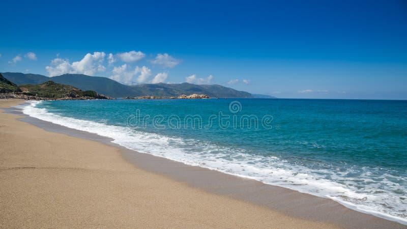 Het strand van Strandde Santana in Sagone in Corsica royalty-vrije stock fotografie