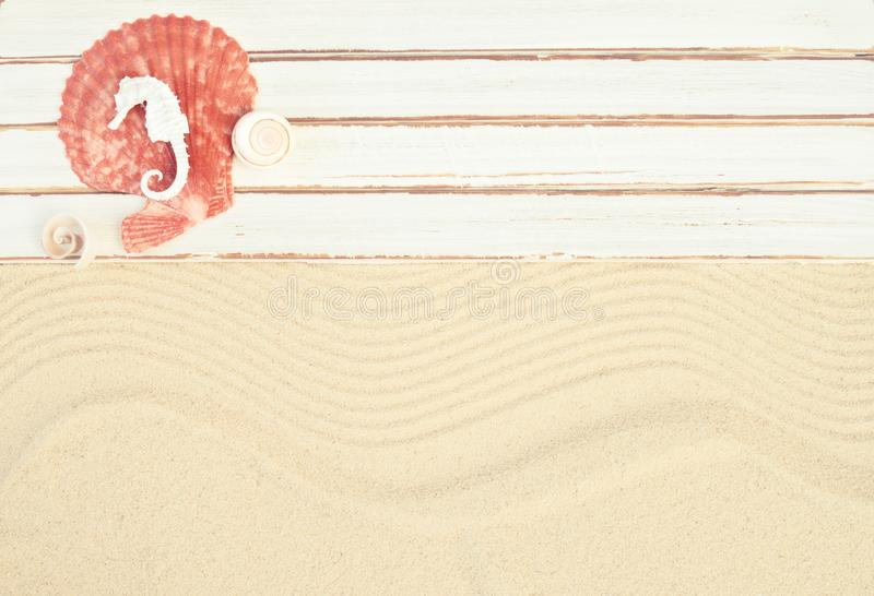 Het strandachtergrond van de zomer stock fotografie