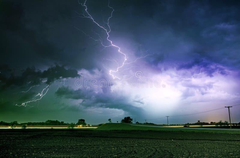 Het Strenge Onweer van de tornadosteeg royalty-vrije stock foto