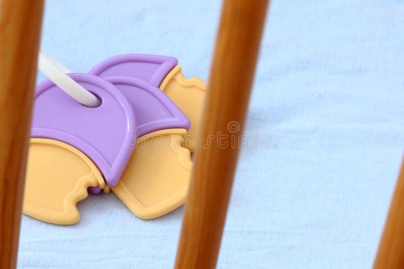 Download Het Stuk Speelgoed Van De Baby Stock Foto - Afbeelding bestaande uit rotatie, staven: 29506396