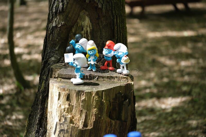 Het stuk speelgoed van de Smurfspret dwergen Karakters, beeldje stock afbeeldingen