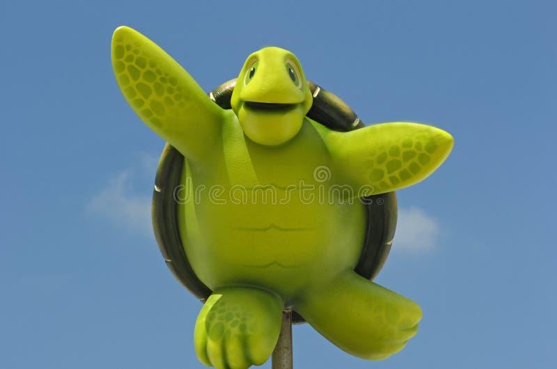 Het stuk speelgoed van jonge geitjes schildpad stock foto's