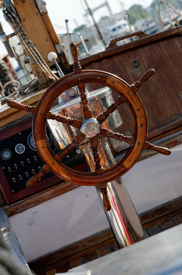 Het stuurwiel van schepen stock afbeeldingen