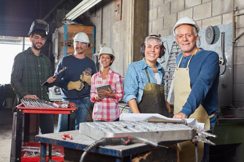 Het succesvolle team van de de industrieverrichting royalty-vrije stock foto