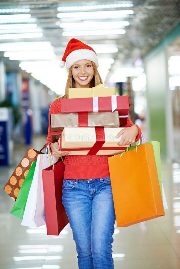 Het succesvolle winkelen vóór vakantie stock foto