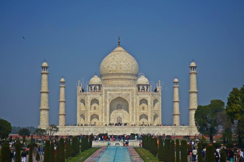 Het Taj mahal-A symbool van liefde en één van zeven is van de wereld benieuwd royalty-vrije stock afbeelding