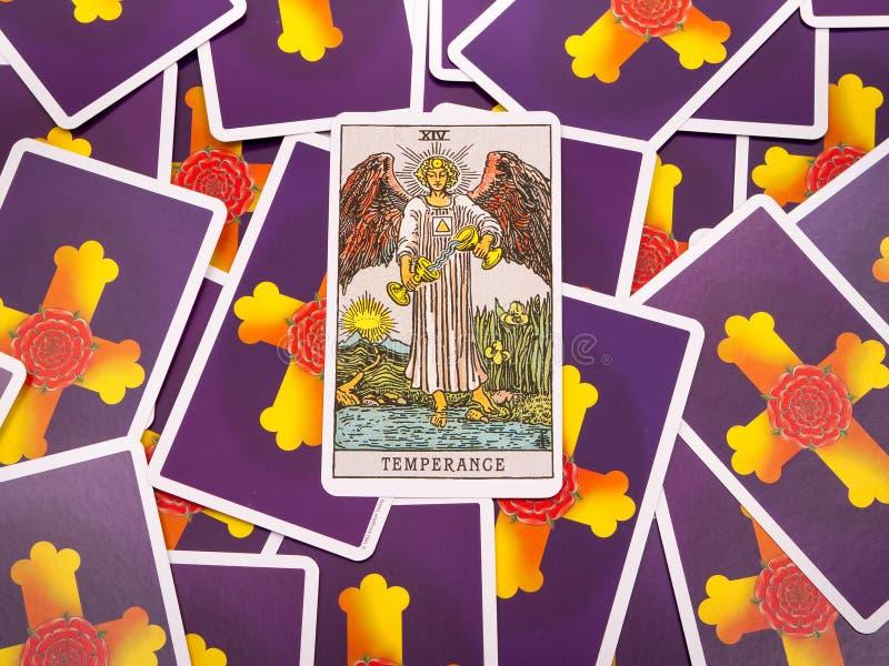 Het Tarot van tarotkaarten, de matigingskaart royalty-vrije stock afbeeldingen