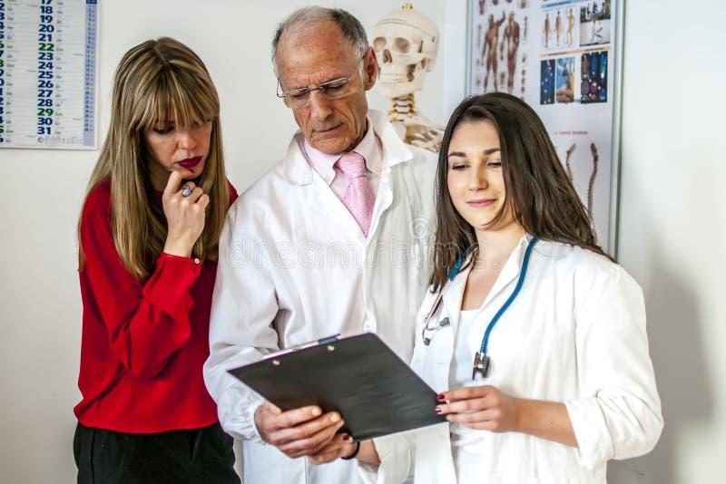 Het team van artsen stock foto