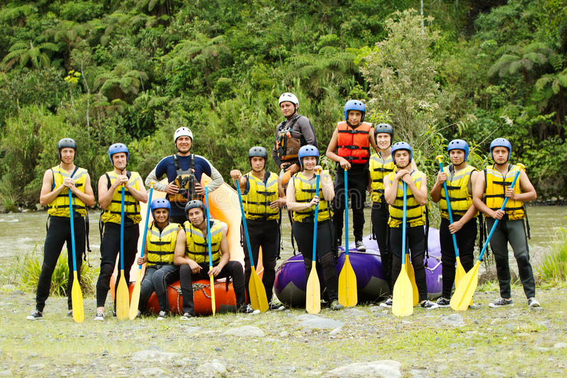 Het Team van Rafting van de Whitewaterrivier stock foto