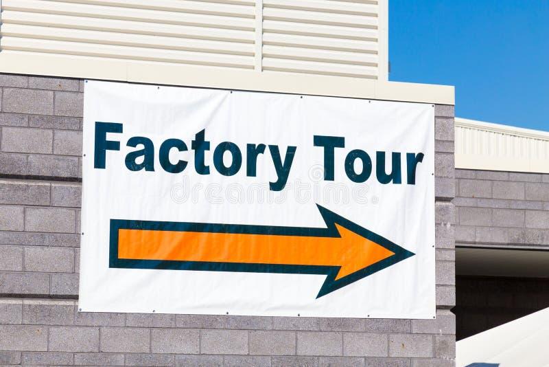 Het Teken van de fabrieksreis met Pijl royalty-vrije stock fotografie