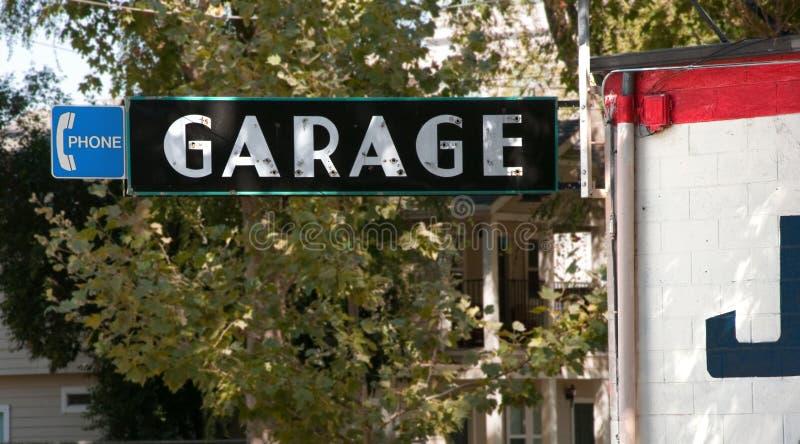 Het Teken van de garage voor autoreparatiewerkplaats royalty-vrije stock foto