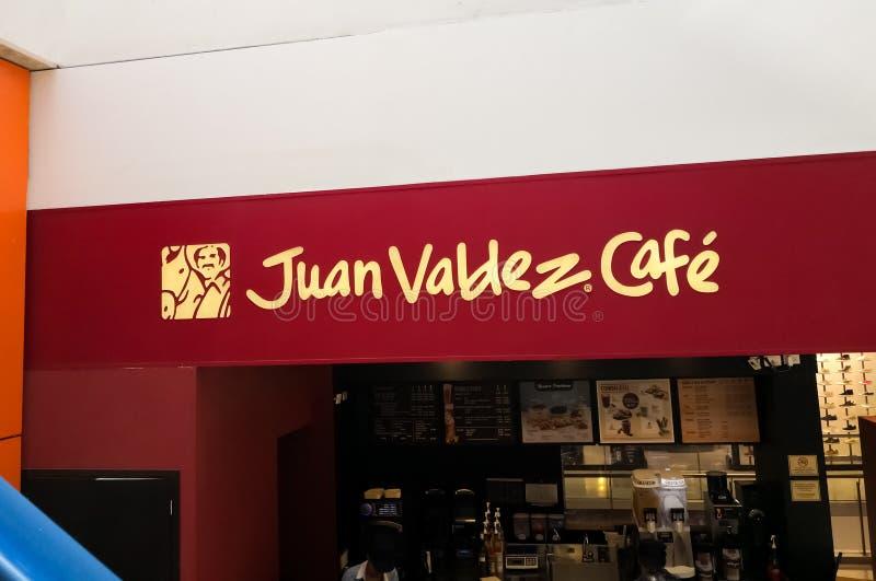 Het teken van de de koffiewinkel van Juan Valdez Café Columbiaanse koffie, traditionele zaken stock foto