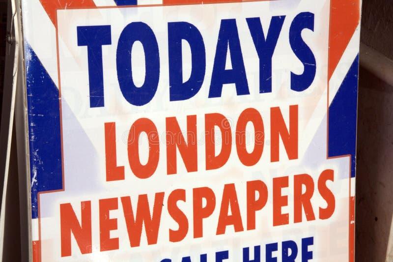Het teken van de Krant van Londen stock foto's