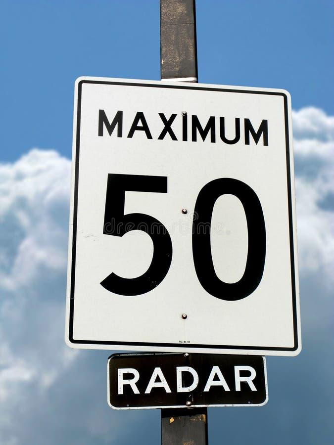 Het teken van de maximum snelheid stock afbeeldingen