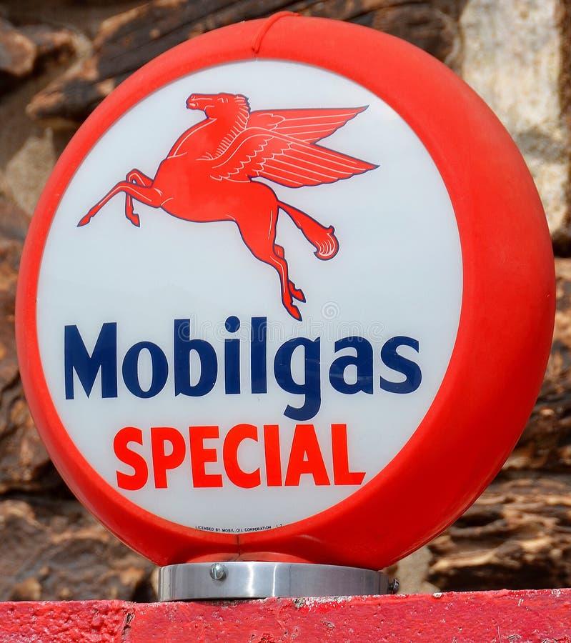 Het teken van de Obilgasbenzinepomp royalty-vrije stock afbeelding