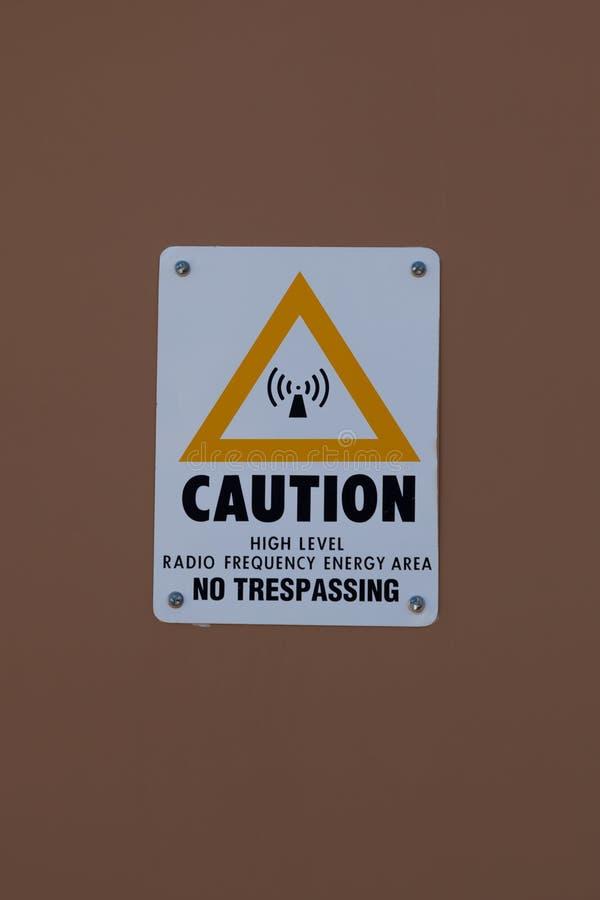 Het Teken van de radiofrequentievoorzichtigheid stock afbeeldingen