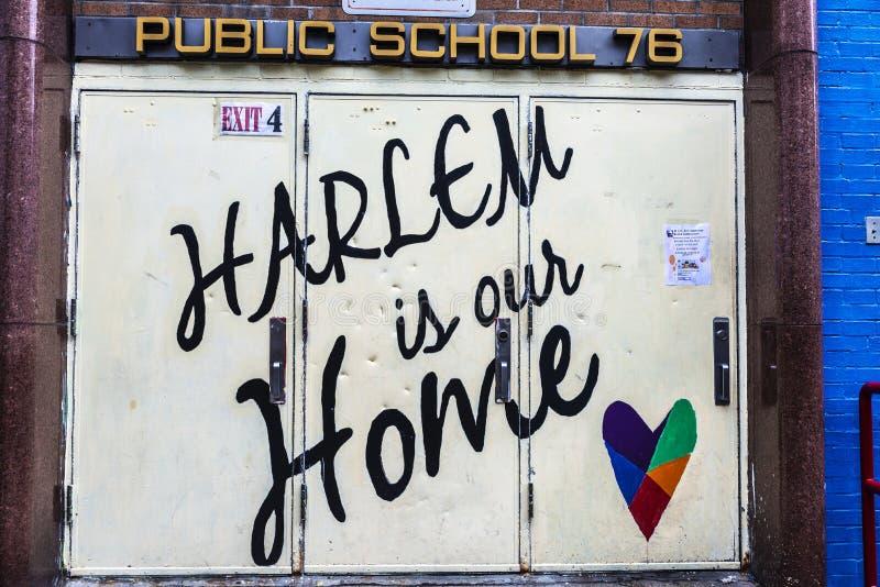 Het teken van Harlem is ons huis in de Stad van New York, de V.S. stock fotografie
