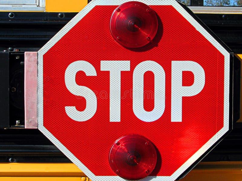 Het teken van het einde op schoolbus stock foto's