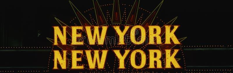 Het teken van het neon dat New York New York zegt royalty-vrije stock foto