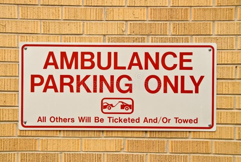 Het teken van het Parkeren van de ziekenwagen royalty-vrije stock afbeelding