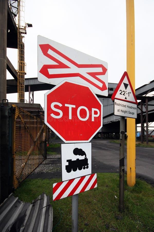 Het teken van het spoorwegeinde stock afbeeldingen