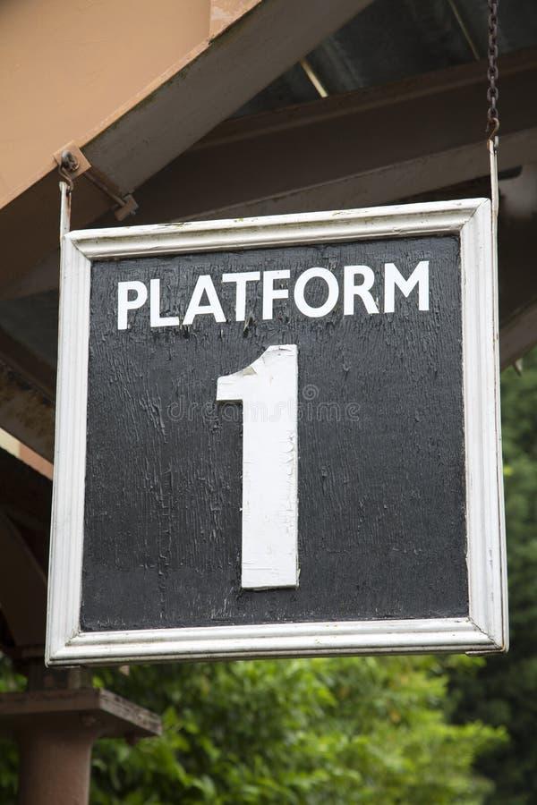 Het Teken van het stationplatform stock foto's