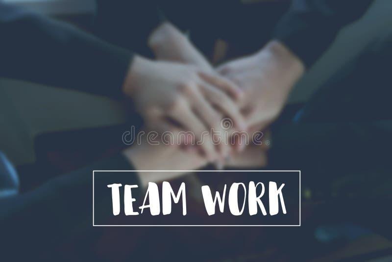 Het tekstgroepswerk op achtergrondhandcoördinatie van het team vertegenwoordigt samenwerking royalty-vrije stock foto