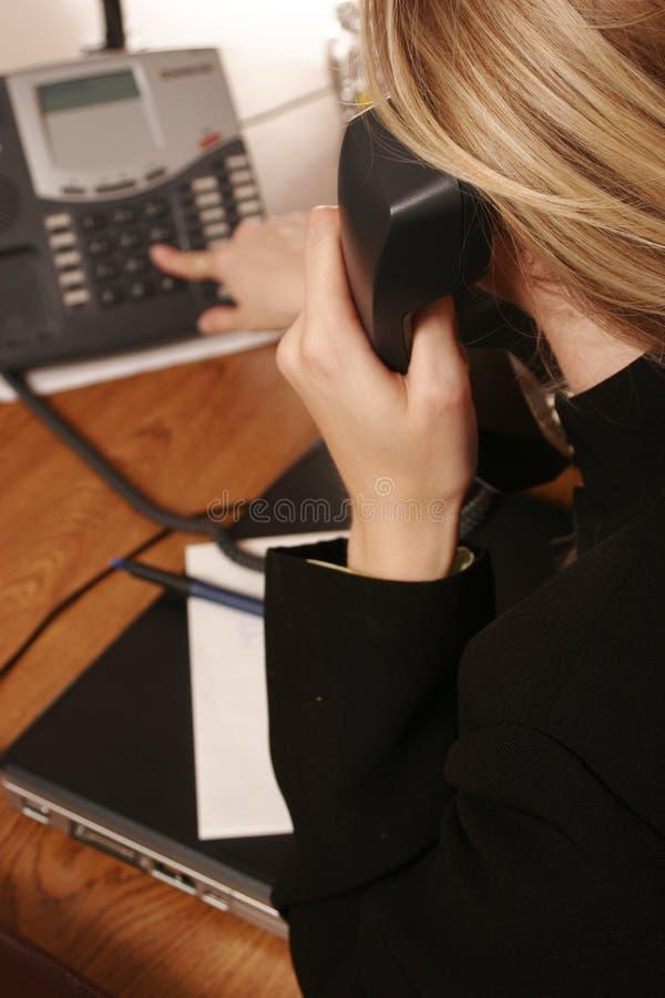 Het telefoongesprek. stock afbeeldingen