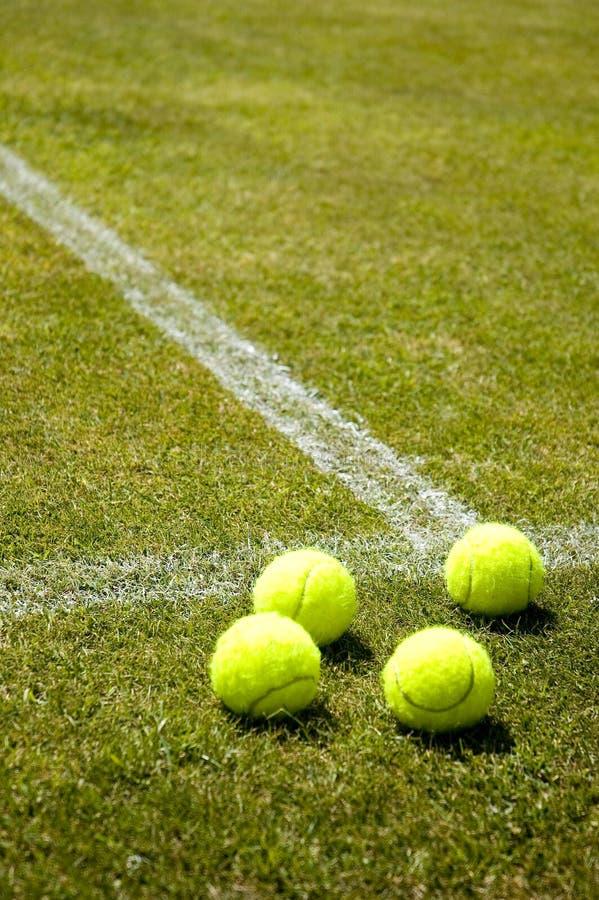 Het tennis van het gazon royalty-vrije stock foto's