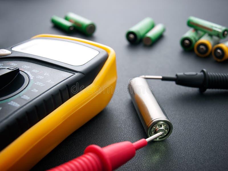 Het testen van de batterij royalty-vrije stock fotografie