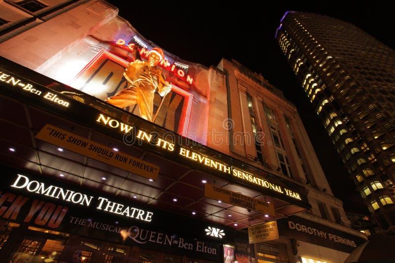 Het theater van de Heerschappij bij nacht stock foto's