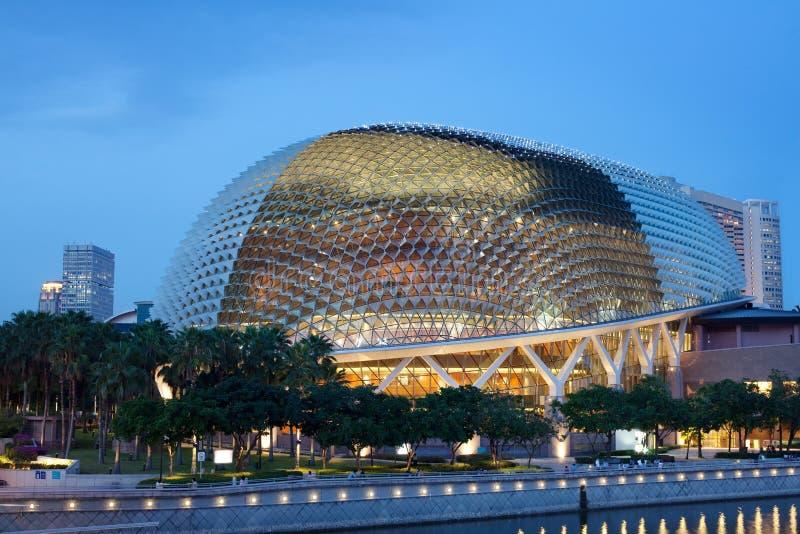 Het Theater van de promenade, de waterkant van Singapore stock fotografie