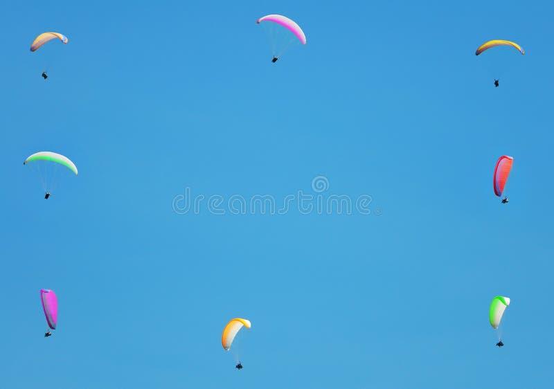 Download Het Thema Van Het Deltaplaning Stock Afbeelding - Afbeelding bestaande uit flying, frame: 10778949