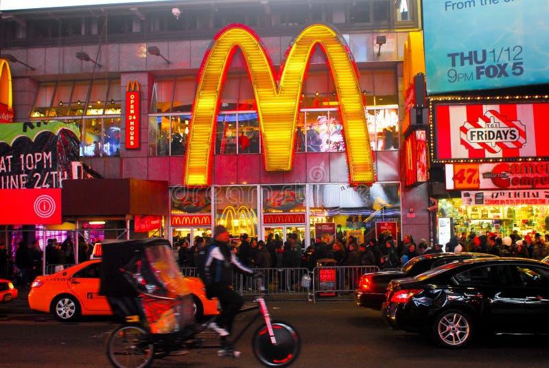 Het Times Square van McDonalds, Manhattan, NYC. stock afbeelding